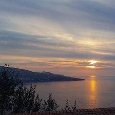 #sunset#tramonto#mare#everyday#paradise#landscape#buonasera#goodnight#instalike#instafamous#instagood #instagram#good#photo#photooftheday#dolcevita#winter#inverno#nature#amazing#place#holiday#travelgram