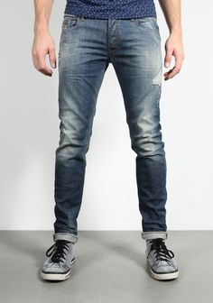 Diesel Sleenker 0670N Jeans | Available at www.score.nl