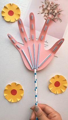 Diy Discover Diy Movable Hand - Basteln - Crafts World Diy - Diy Crafts Diy Crafts Hacks Diy Home Crafts Cute Crafts Creative Crafts Hand Crafts Holiday Crafts Paper Crafts Origami Paper Crafts For Kids Diy For Kids
