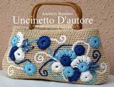 #crochet  #bag  #borsa  #uncinetto #bolsa  #croche #rafia Crochet Handbags, Crochet Purses, Crochet Bags, Diy Tote Bag, Flower Bag, Embroidered Bag, Craft Bags, Freeform Crochet, Cute Bags