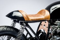 Honda Café Racer by Kott Motorcycles Cb550 Cafe Racer, Cafe Racer Motorcycle, Cafe Racers, Motorcycle Seats, Custom Motorcycle Builders, Custom Bikes, Custom Motorcycles, Classic Car Insurance, Best Car Insurance