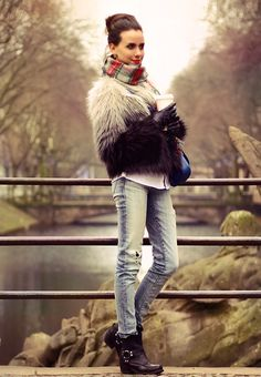 furs jeans and boots Fashion Brenda, H&m Jackets, Jacket Style, My Outfit, Passion For Fashion, Autumn Winter Fashion, Jeans And Boots, Style Me, Furs