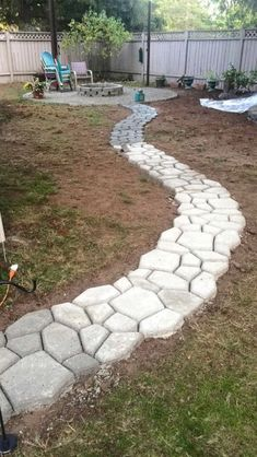 , DIY - Do It Yourself Garden Path Ideas - Engineering Findings. , DIY - Do It Yourself Garden Path Ideas - Engineering Findings Backyard Projects, Outdoor Projects, Backyard Patio, Backyard Landscaping, Sidewalk Landscaping, Landscaping Ideas, Outdoor Walkway, Backyard Ideas, Unique Gardens