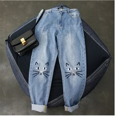 2017 Korean Version of the Retro High waist relaxed loose Cat Embroidered  Jeans Women 's Fashion jeans