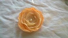 Handgemachte Brosche aus Satin❤ Pfirsiche Farbe DIY fabric flowers