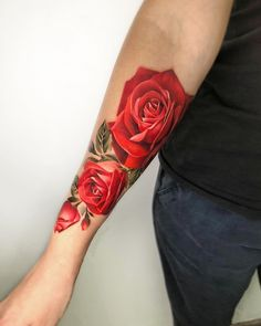 Best Pastel Color Flower Tattoos For Girls – Shake that bacon - rose tattoos Great Tattoos, Beautiful Tattoos, Body Art Tattoos, Awesome Tattoos, Tattoo Girls, Girl Tattoos, Rose Tattoos For Women, Sleeve Tattoos For Women, Red Rose Tattoos