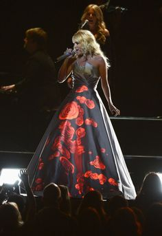 Carrie Underwood's Light-Up Dress