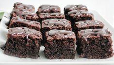 Negresa cu ciocolata - Rețete Papa Bun No Cook Desserts, Sweets Recipes, Cooking Recipes, Sweet Memories, Fudge, Goodies, Food And Drink, Romania, Brownies