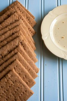 Gluten free graham crackers are easy to make at home & taste very similar to regular graham crackers! Gluten Free Sweets, Gluten Free Cookies, Gluten Free Baking, Gf Recipes, Gluten Free Recipes, Snack Recipes, Foods With Gluten, Sans Gluten, Gluten Free Graham Crackers