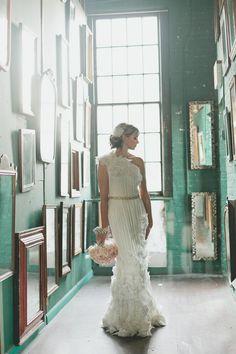 Amazing wedding background #bouquet #photo #pose