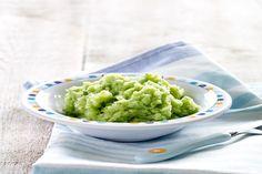 Zalm is superveelzijdig en van dit recept met Italiaanse touch smult het hele gezin. Meng panko (Japans paneermeel) met pesto en geraspte pecorino. Paneer hiermee de zalm voor een heerlijk korstje. Nog een lekkere broccolipuree met kappertjes erbij en … voilà!