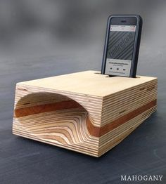 Timbrefone-strata-wood-phone-speaker-artificer-1434486130