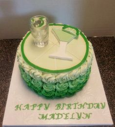 Margarita Cake - Customer wanted her shot glass on top. She's going to add the tequila when the birthday girl arrives. 30th Birthday Cake For Women, Green Birthday Cakes, 25th Birthday Cakes, Birthday Beer, Tequila Cake, Margarita Party, Liquor Cake, Alcohol Cake, Mom Cake