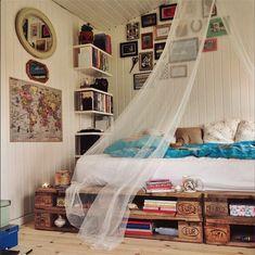 pin:@joy-anna // Bed inspiration