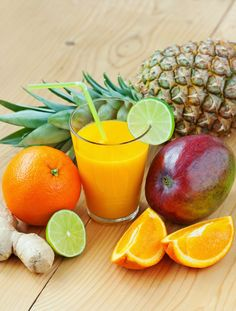 Raw Edibles: Anti-Inflammatory Tropical Fruit Smoothie