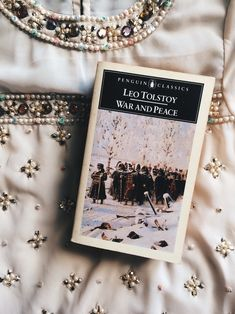 the fictionologist Bookstagram ideas I Love Books, Good Books, Books To Read, My Books, Classic Literature, Classic Books, Russian Literature, Elisabeth I, Great Comet Of 1812