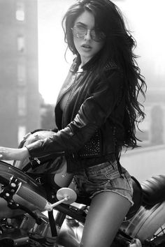 Big tit woman on motorcycle And have