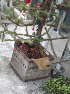 **HoLiDay Tree CoNtaiNerS**