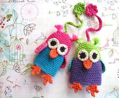 Love these owlie key covers ... Free pattern but in Danish - here: http://frumadsens.blogspot.com/2011/02/hklet-uglenglering-eller-en-pingvin.html