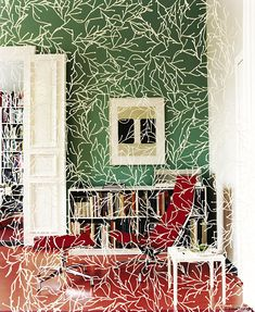 "Incredible Room Screens - ""Algues"" -interior design components and decorative elements reminiscent of plants. Plastic elements link together to form weblike structures - from light curtains to thick, opaque partitions."