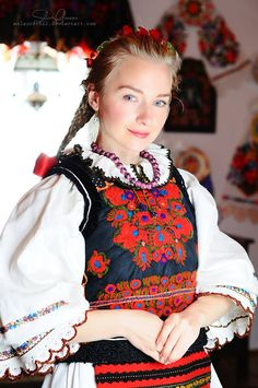 Romanian blouse & clothing. Nasaud. Silvia-Floarea Toth collection Ethnic Fashion, Womens Fashion, Fashion Trends, Romania People, The Beautiful Country, Character Costumes, Folk Costume, Traditional Dresses, Blouse