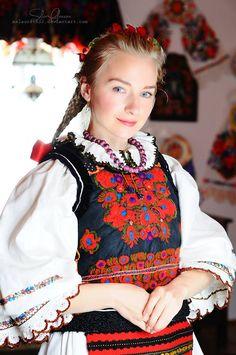 Romanian blouse & clothing. Nasaud. Silvia-Floarea Toth collection