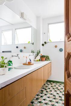 Mit pfiffigen Accessoires könnt Ihr schliche Badezimmer wunderbar aufpeppen #bathroomdesign #decor