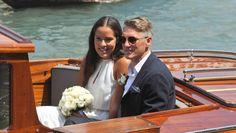 Mit Motorboot statt Gondel zu neuen Ufern: Ana Ivanovic und Bastian Schweinsteiger heiraten in Venedig