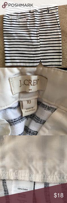 J Crew Black & White Dress Shorts Size 10 Like I've never worn them.  Has 2 slanted front pockets.  5 inch inseam.  Great pair of shorts! J. Crew Shorts