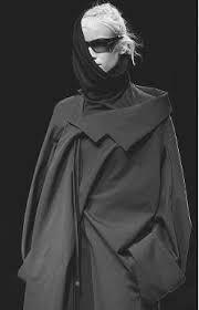 """Résultat de recherche d'images pour """"yohji yamamoto 1999 collection"""""""