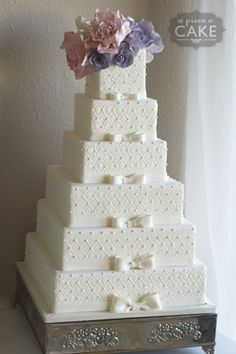 Wedding cake - the most interesting images, videos, and facts