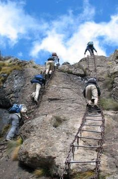 Drakensberg Traverse, South Africa 19 Hikes That Should Never Make Your Bucket List Best Places To Camp, Oh The Places You'll Go, Places To Visit, Hiking Tips, Hiking Gear, Hiking Places, Hiking Spots, Best Hikes, Adventure Is Out There