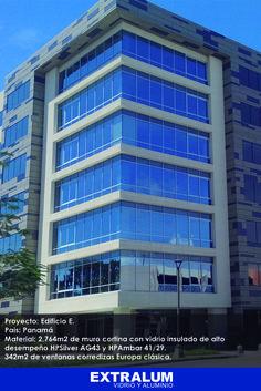 Proyecto Edificio E, el cual recientemente recibió su placa Gold del US Green Building Counsil. 2,764m2 de muro cortina con vidrio insulado de alto desempeño HPSilver AG43 y HPAmbar 41/29. 342m2 de ventanas corredizas Europa clásica. Todo en aluminio anodizado natural.