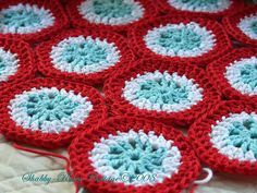 Red, white and turquoise...love these colors together.