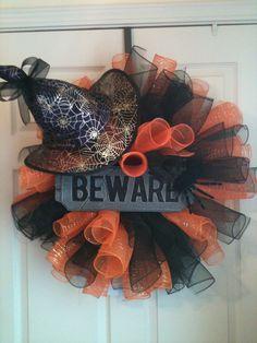 Witches hat Halloween wreath Halloween Witch Wreath, Fall Halloween, Halloween Crafts, Holiday Crafts, Halloween Decorations, Christmas Decorations, Burlap Ribbon Wreaths, Deco Mesh Wreaths, Diy Wreath