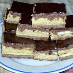 Kakaós-krémes szelet -- Mindmegette.hu My Recipes, Cooking Recipes, Torte Cake, Death By Chocolate, Hungarian Recipes, Hungarian Food, Nutella, Breakfast Recipes, Sweet Tooth