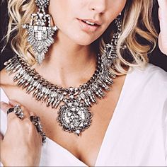 Silver Rhinestone Statement Necklace Beautiful and new! Jewelry Necklaces