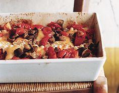 Fettuccine Meatball Lasagne http://www.epicurious.com/recipes/food/views/Fettuccine-Meatball-Lasagne-236984