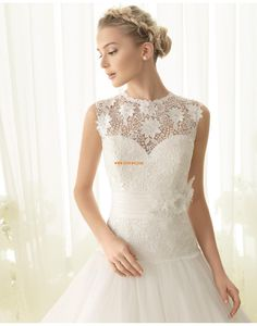 Apple Blossom Time Bridal in Perth stock a stunning range of Luna Novias Bridal Gowns and Wedding Dresses in all sizes. Pronovias Wedding Dress, Wedding Dress Organza, Elegant Wedding Gowns, Wedding Dresses 2014, Gorgeous Wedding Dress, Bridal Dresses, Wedding Wear, Wedding Bells, Diy Wedding