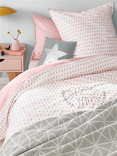 Chambre Petite Fille Rose Et Gris Maison Pinterest Petite - Canapé convertible scandinave pour noël deco chambre fille rose