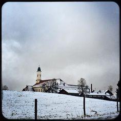 So then this happened: snowfall  #snow #winter #klosterreutberg #bavaria #homesweethome #soultravels #outdoorgirl #adventuregirl #wanderlust #mindful #forevercurious  #munichandthemountains