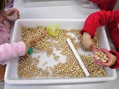 Montessori 0-3 años Montessori Materials, Montessori Activities, Activities To Do, Toddler Activities, Magic For Kids, Vbs Crafts, Maria Montessori, Reggio Emilia, Sensory Play