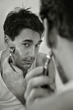 #JonHamm shaving...♥ #hint #shave @Gillette I think I need another @MadMen_AMC episode right now! ;)