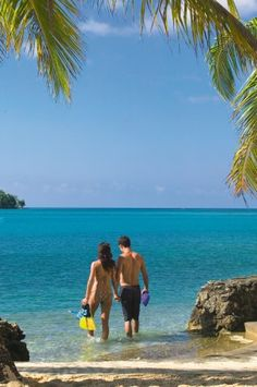Warwick Le Lagon Resort & Spa Vanuatu is situated on 75 acres of exotic tropical gardens on the edge of the pristine Erakor Lagoon. Located on Vanuatu's main island, Efate, you are sure to experience the true South Pacific charm of the Vanuatu islands.