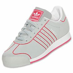 Based+on+the+classic+trainer+from+the+'80s,+the+Women's+adidas+Samoa+Casual+Shoes+are+back+to+up+your+street+style.+These+street-ready+kicks+feature+full-grain+leather+for+comfort,+and+a+retro+suede+overlay+on+the+toe+box+for+added+durability.++Give+your+wardrobe+an+authentic+look+and+feel+with+the+iconic+style+of+the+adidas+Samoa.+The+classic+Trefoil+outsole+lets+you+leave+your+mark+wherever+you+go.++FEATURES:+UPPER:+Leather+with+suede+overlay+OUTSOLE:+Trefoil-pattern+rubber+IMPORTED