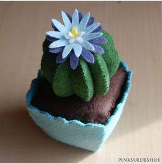 Vasinho e cactus em feltro