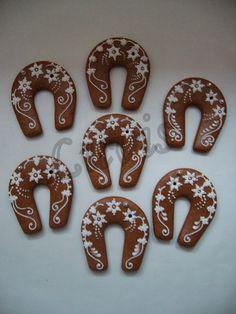 Perníky 2013 Snow Cookies, Lace Cookies, Snowflake Cookies, Sugar Cookies, Gingerbread Decorations, Gingerbread Cookies, Christmas Gingerbread House, Christmas Cookies, Chocolates