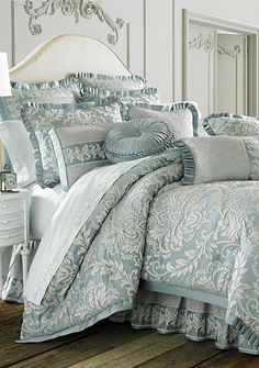 Luxury Bedding Sets For Less Luxury Bedding Collections, Luxury Bedding Sets, King Comforter Sets, Grey Bedding, Damask Bedding, Beautiful Bedrooms, Bed Spreads, Comforters, Bedroom Decor