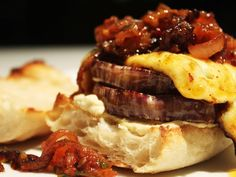 This recipe for Halloumi, Hummus and Aubergine Burgers makes the perfect Meat-free Monday dinner. Relish Recipes, Vegan Recipes, Healthy Family Meals, Healthy Snacks, Onion Relish, Halloumi, Main Meals, Vegan Vegetarian, Delicious Desserts