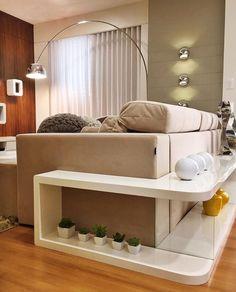 """296 curtidas, 2 comentários - Jeise Arquitetura e Interiores (@jeisearquitetura) no Instagram: """"O ambiente foi pensado como um todo, o painel de couro divide a sala de jantar do home tv, e o sofá…"""""""